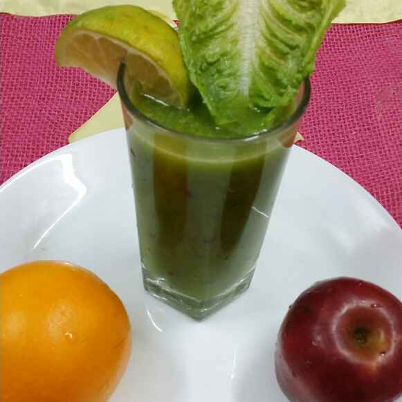 Photo of Lemony Lettuce and Apple Juice by Zeenath Muhammad Amaanullah at BetterButter