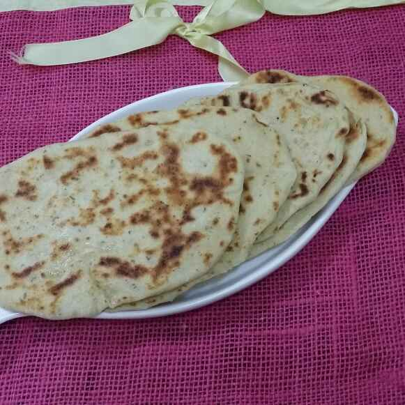 Photo of Buttery Garlic Naan by Zeenath Muhammad Amaanullah at BetterButter