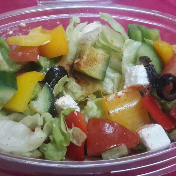 How to make Greek Salad...
