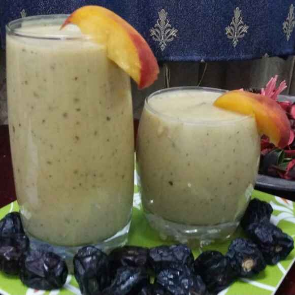 How to make Peach and Dates Smoothie