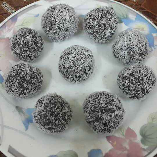 Photo of Instant Choco Coconut Balls... by Zeenath Muhammad Amaanullah at BetterButter