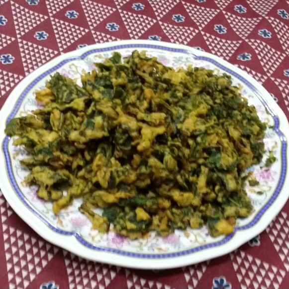 How to make Paalak Pakodi...