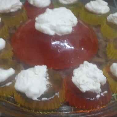 How to make Jello Cupcakes with Cream