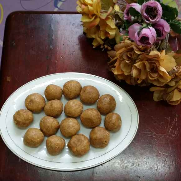 Photo of Peanut Jaggery Laddus... by Zeenath Muhammad Amaanullah at BetterButter