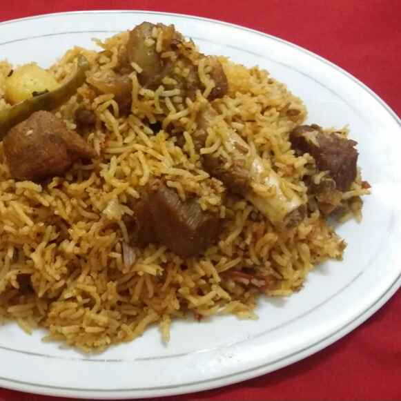 How to make The Quintessentially Hyderabadi Mutton Tahaari (Hyderabadi Mutton Pulao)...