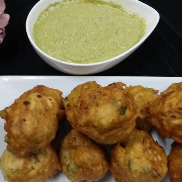 How to make Restaurant Style Maida Punugulu/Maida Bonda (Mysore Bonda)
