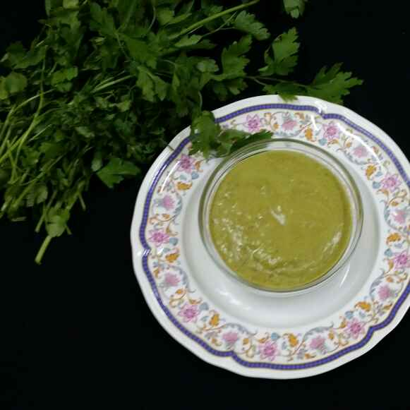 How to make Parsley and Mint Chutney...