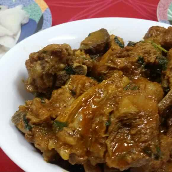 How to make Gosht Khada Masala...(Mutton gravy with whole spices)