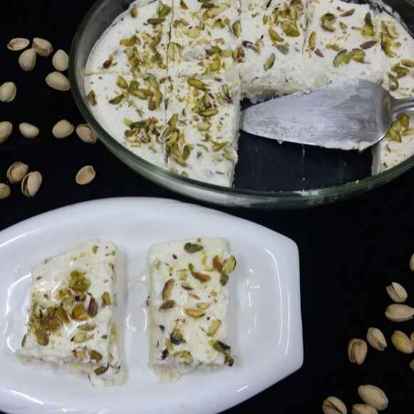 How to make Layali Lubnan/Lebanese Nights (Semolina Pudding)