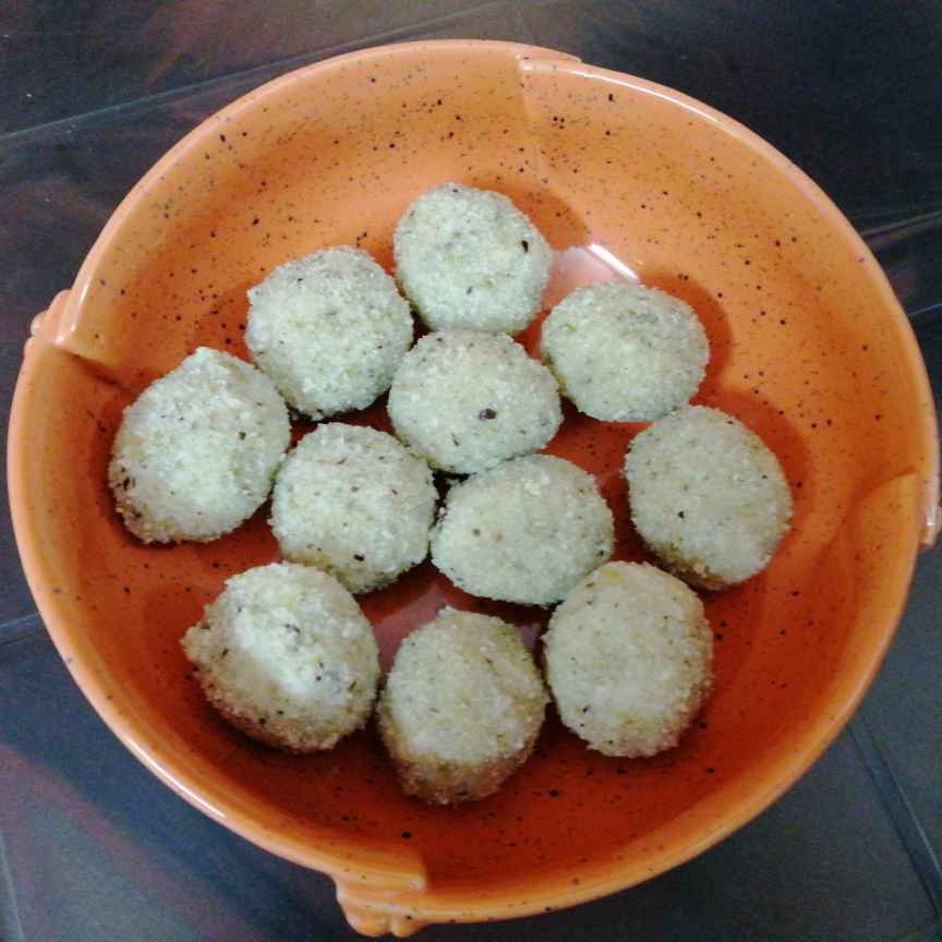 Photo of Semolina Coconut Laddus.. by Zeenath Muhammad Amaanullah at BetterButter