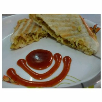 How to make Maggi Cheese Sandwich