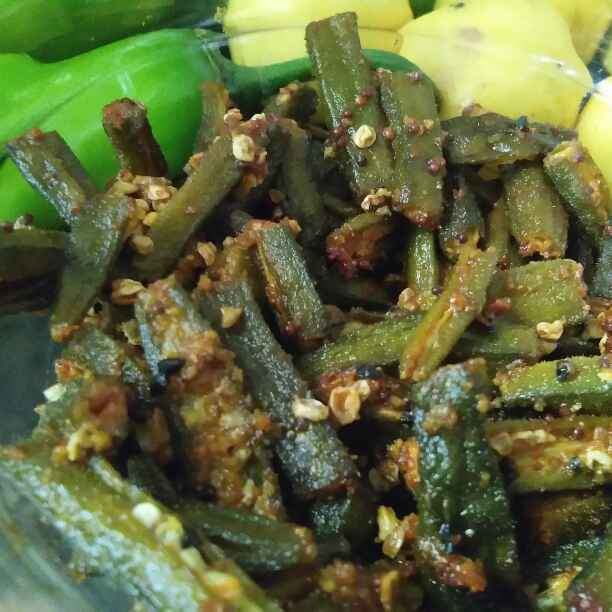 How to make Chill pill crispy masala bhindi in microwave