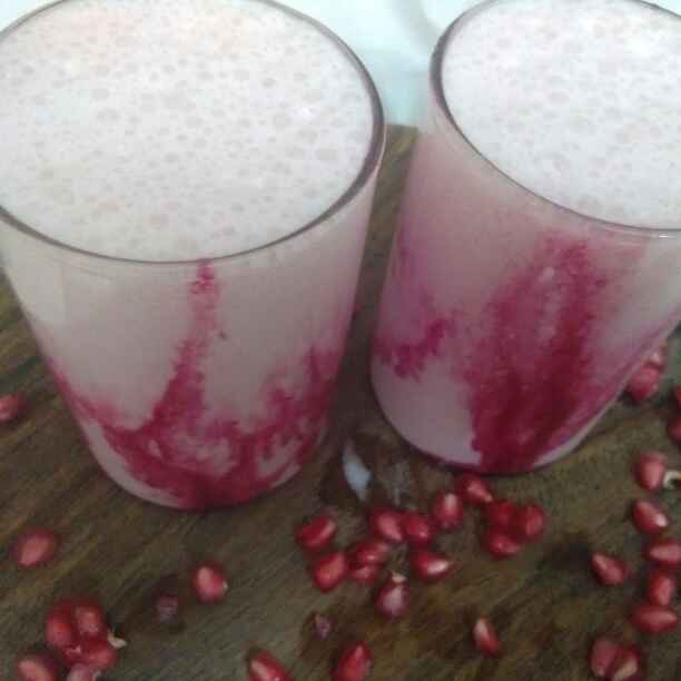 How to make Pomegranate Lassi
