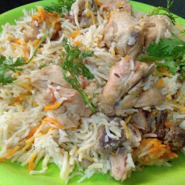 How to make Moradabadi Yakhni Chicken Biryani
