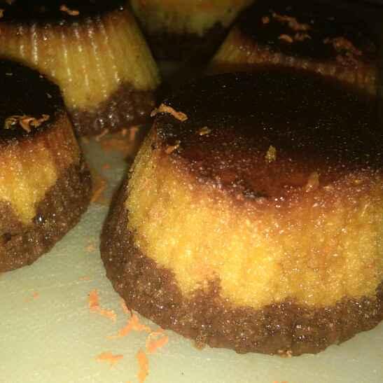 How to make कैरमलाइज्ड एगलेस गाजरवैनिला चॉकलेट कप केक