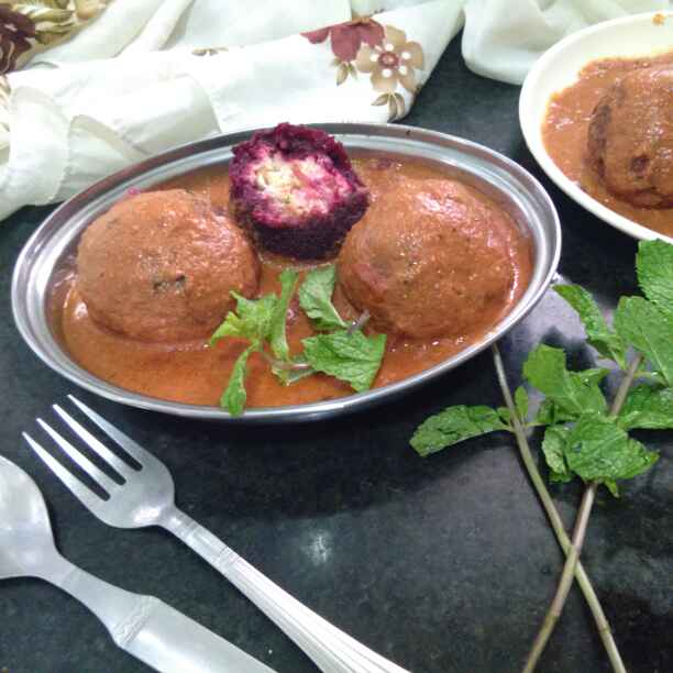 How to make Cream cheese filled Beetroot kofta curry