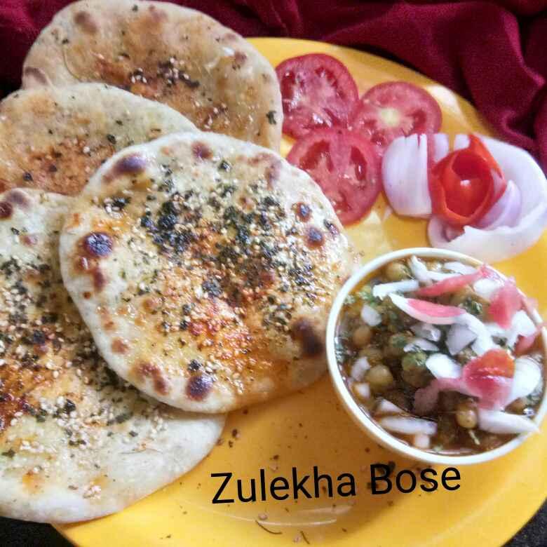 Photo of Paneer aur aalu stuffed baked kulche by Zulekha Bose at BetterButter