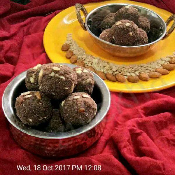 How to make Chocolate chickpea Laddu