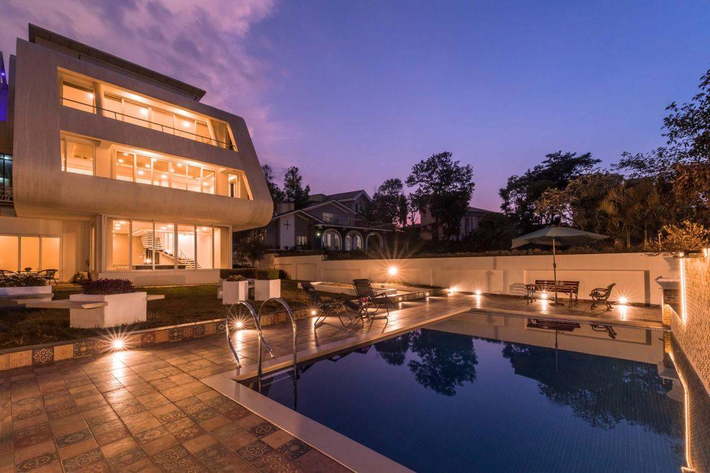 Grand villa facing swimming pool