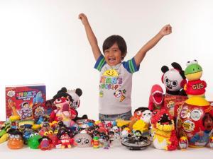 درآمدهای واقعی در دنیای مجازی (۱۰): رایان پسر هفت ساله میلیونر