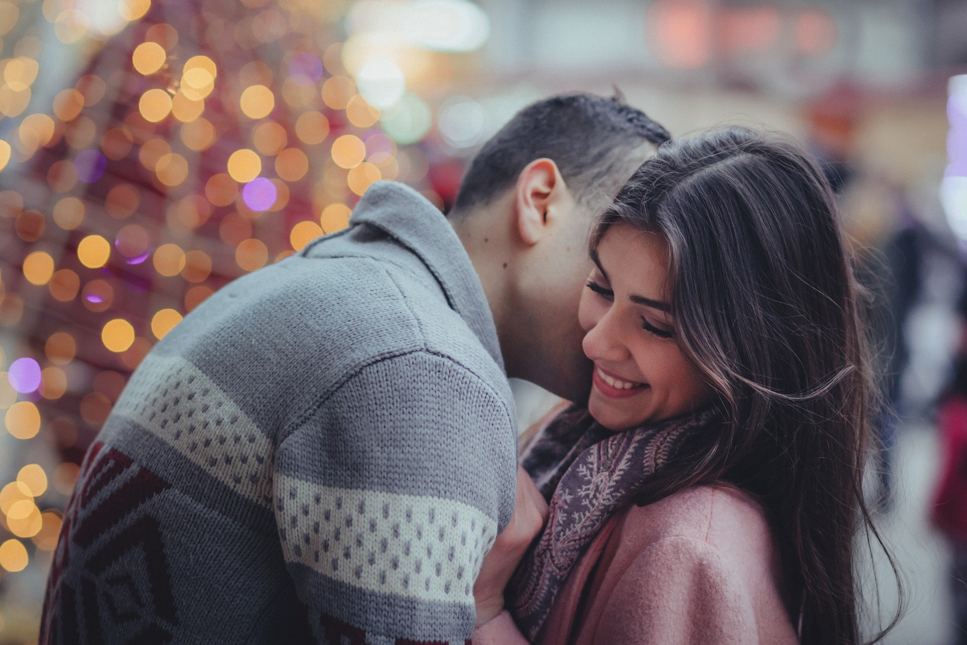 7 Signs That He Totally Adores You (And 5 Signs He's A KEEPER)