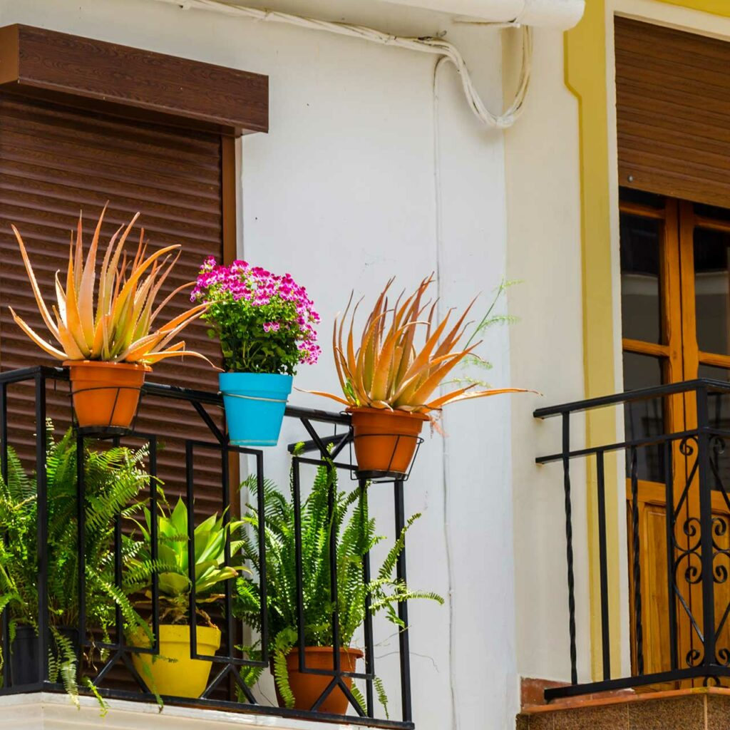 Best Balcony Railing Designs For Indian Homes