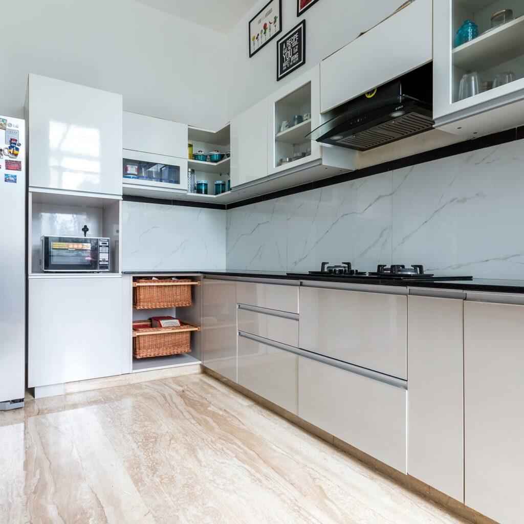 Design Ergonomic Storage to Organize Kitchens