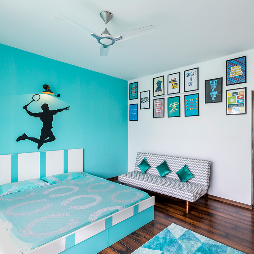 Bedroom wall design for sports person with decal in playing badminton or their favorite sports wall design for bedroom design