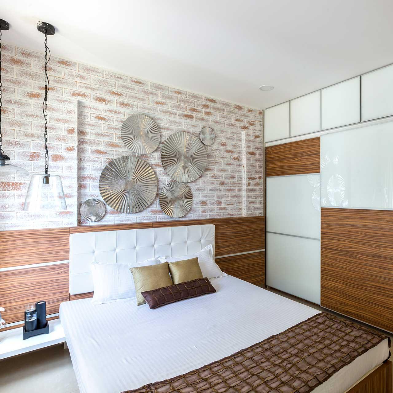 Liven up your Walls for Master Bedroom Design
