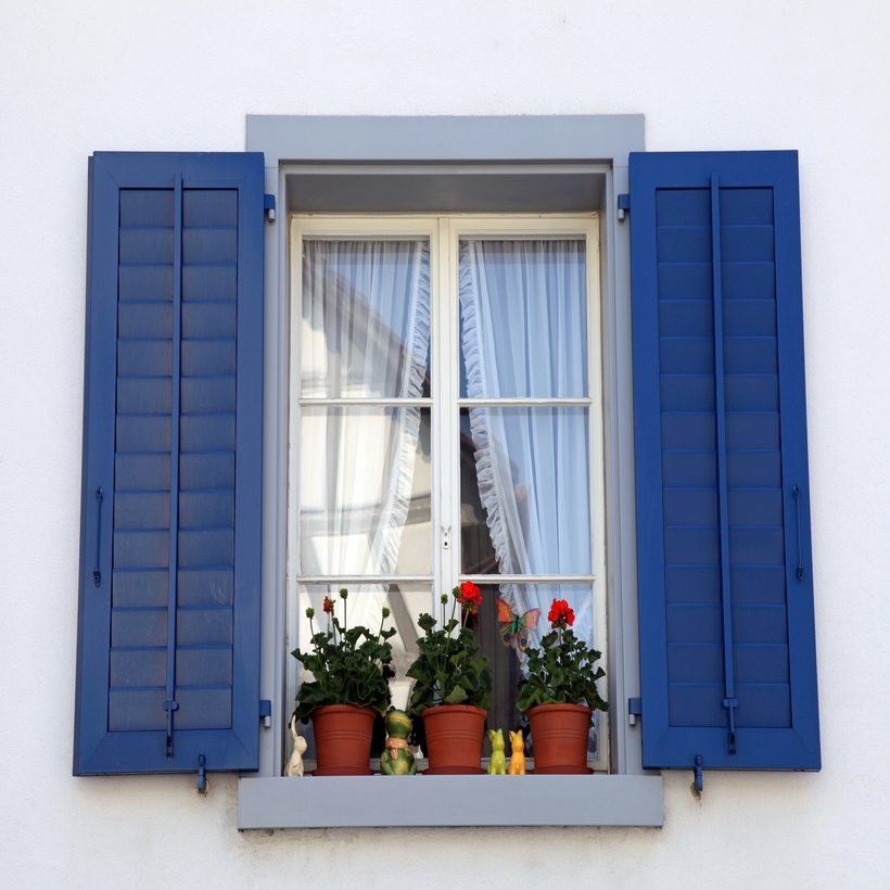 Classic blue also makes an interesting contrast to your home window frames