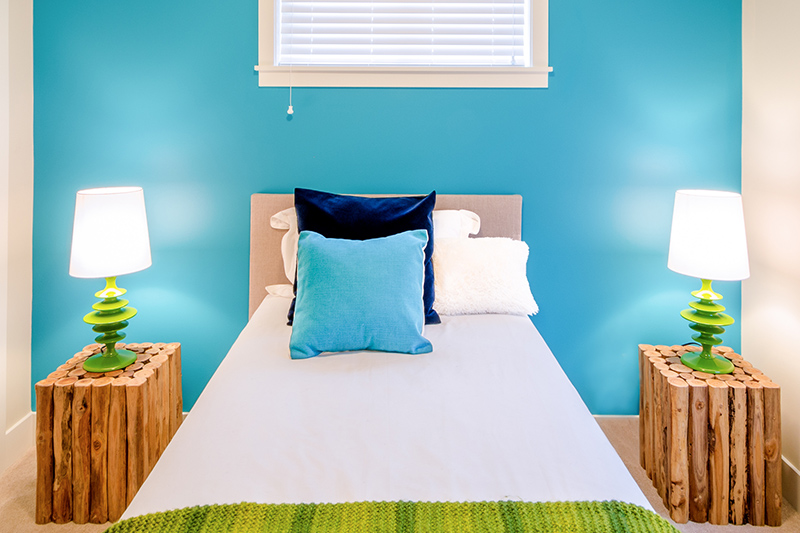 Classic blue paint colors for bedroom fabulously balanced and soothing, a sweep of this shade of blue on your wall can never really go wrong.