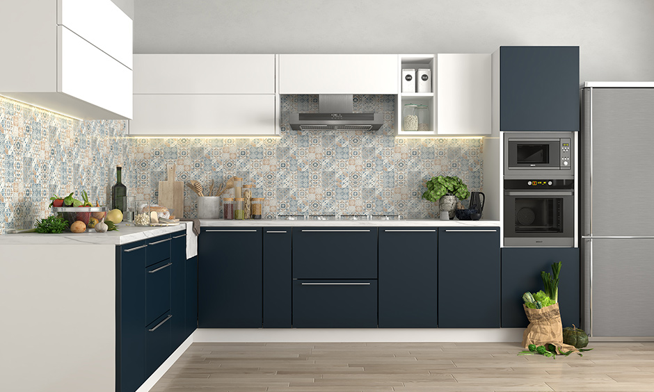Modular kitchen chimney with box-type chimney drastically reduces fumes and dusty particles.