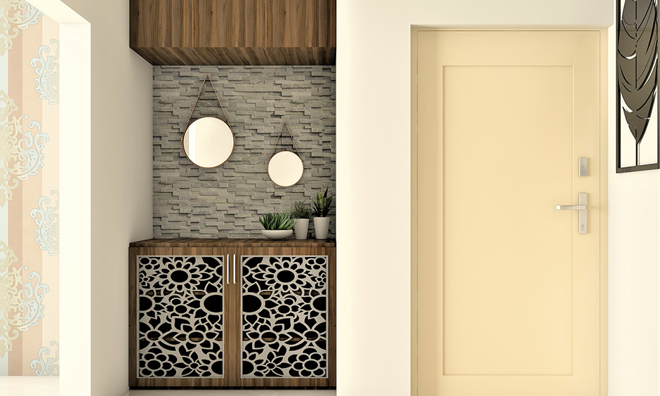 Droplet-effect wall hanging mirror designs look modern and classy with its minimalistic design.