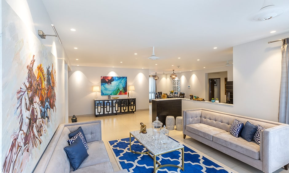 A beachy blue rugs are perfect for for living room carpet design