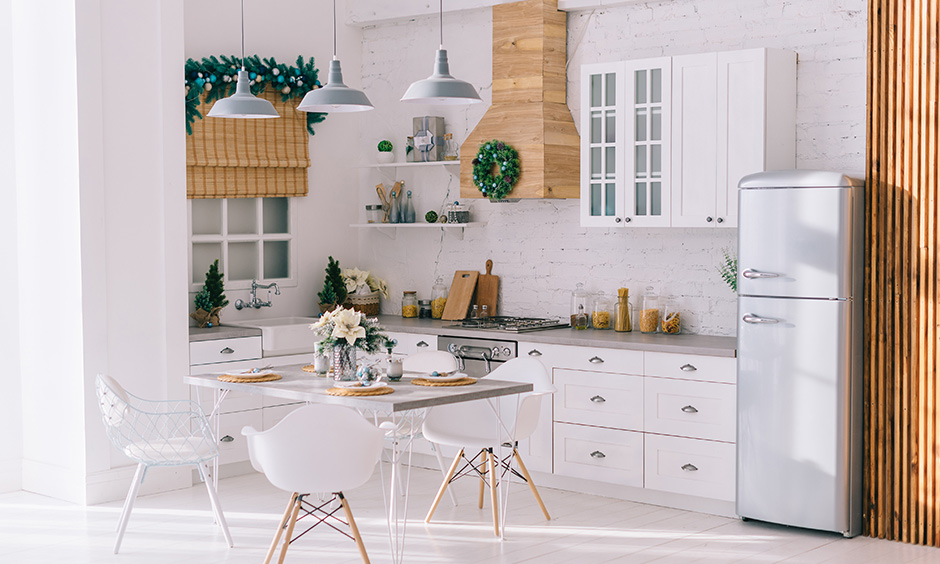 This white dining room design is perfect for a small family with an elegant look.