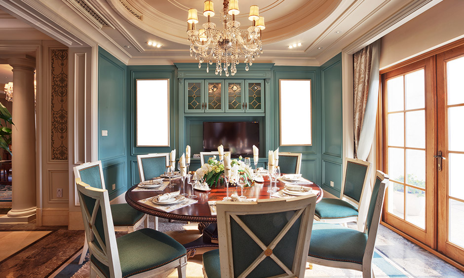 Chandelier lighting for dining room with classic chandelier makes beautiful at dining area