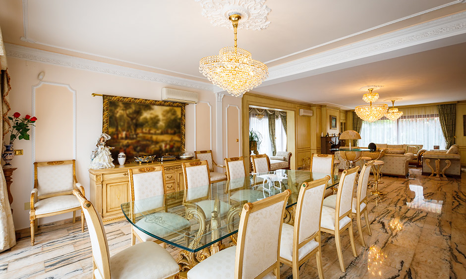Crystal chandelier lighting for dining room gives your dining room room a royal feel.