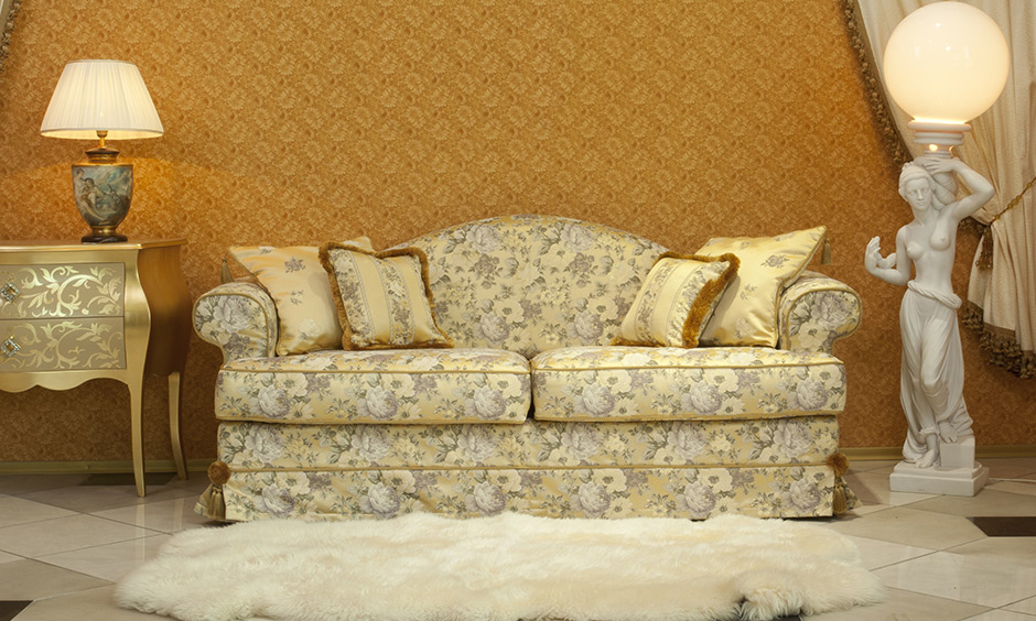 Gold wallpaper ideas for indian homes