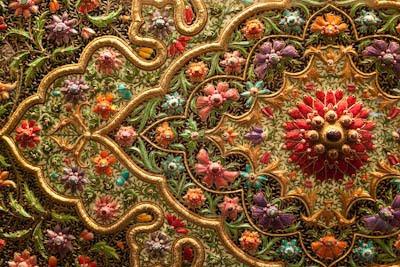 detail-zari-embroidery