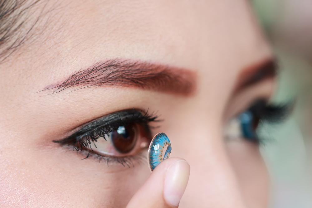 Stop wearing contact lenses to prevent coronavirus