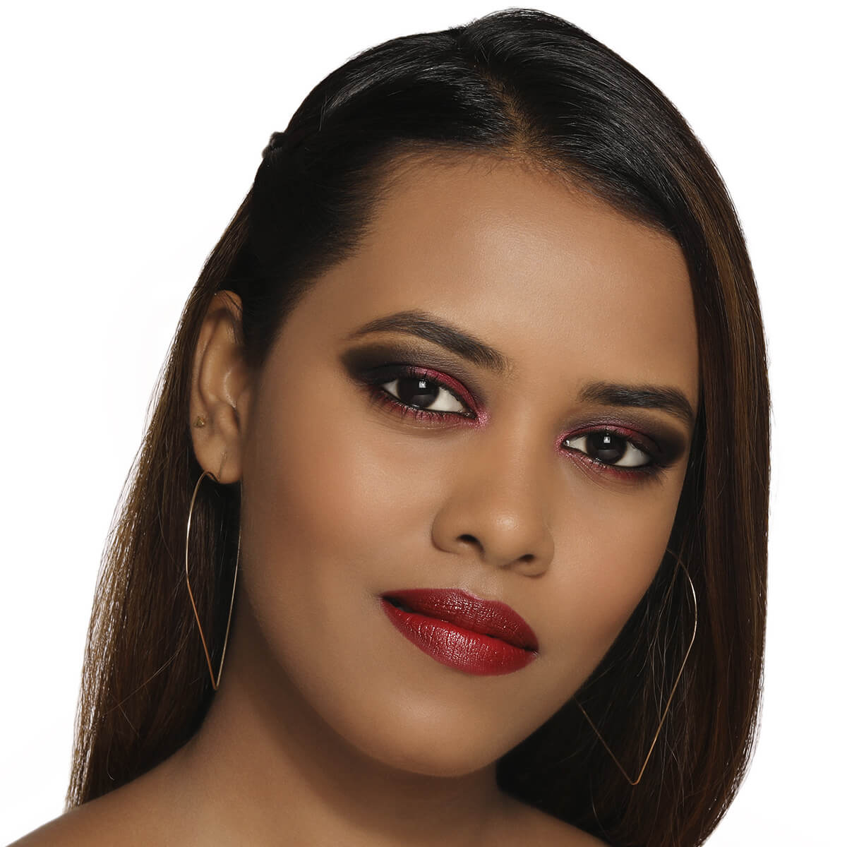 Get Makeup look using MyGlamm's LIT Matte Lipliner Pencil