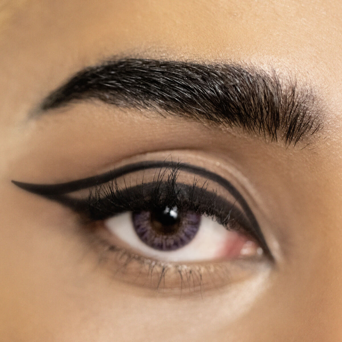 Cut Out Eyeliner Look