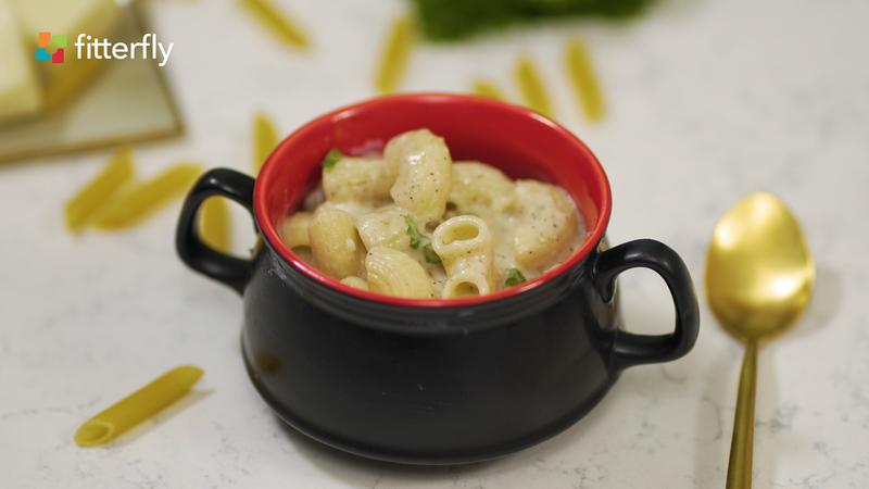 Macaroni With Cheese Sauce