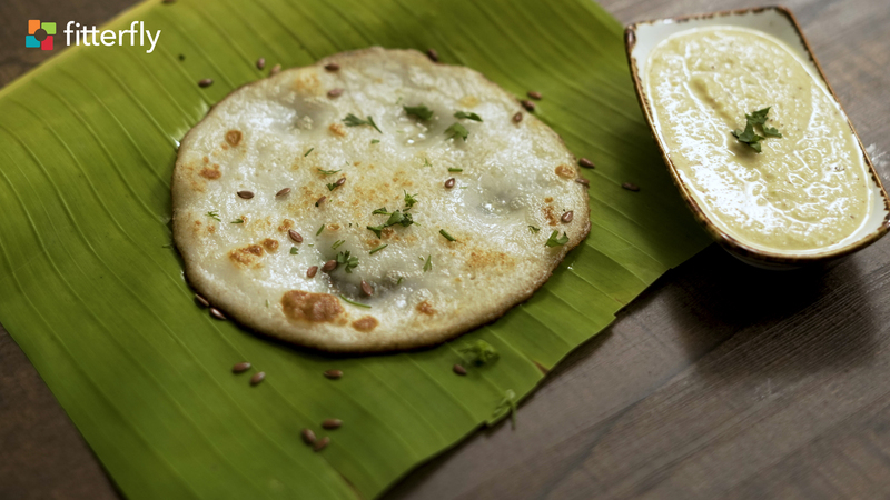 Butter Uttapam with Coconut Chutney