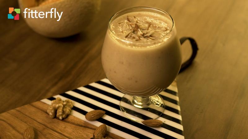 Mixed Fruit Nut Milkshake With Honey
