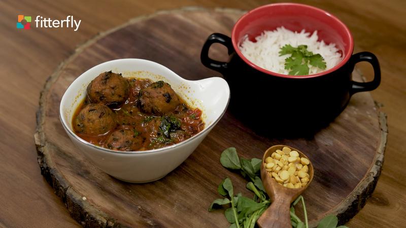 Methi Pakoda Curry