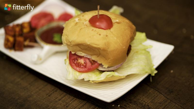 Achari Paneer Burger