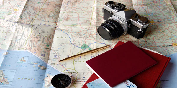 travel-camera-and-map-2000x1250-gentravel0116