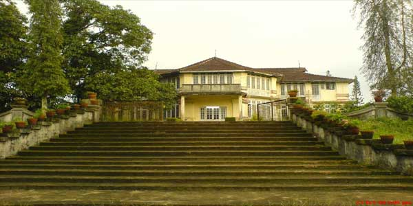 hill-palace--front-building-view