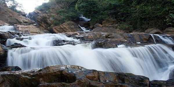 wayanad-nature-resorts-meenmuttywaterfalls